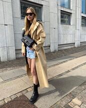 coat,trench coat,black boots,denim shorts,black bag,black top