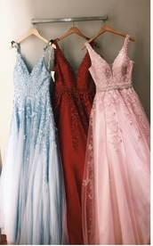 dress,prom dress,red dress,lace dress,prom