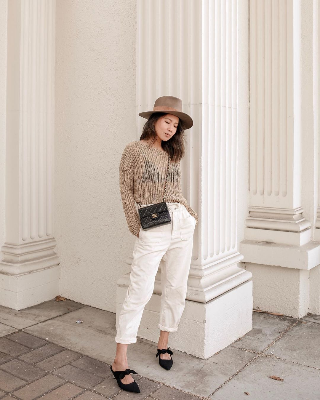 pants white pants high waisted pants zara sweater crossbody bag chanel bag hat