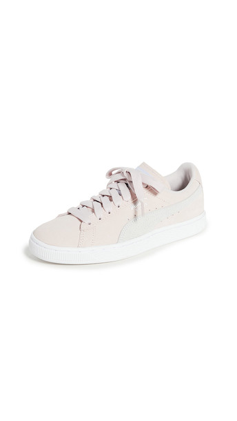 PUMA Suede Classics Sneakers in white