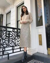 skirt,midi skirt,high waisted skirt,black boots,ankle boots,knitted sweater
