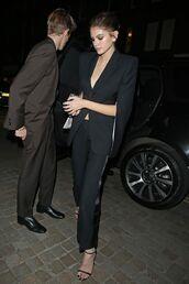 shoes,blazer,suit,model off-duty,kaia gerber,pants,sandal heels