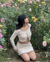 skirt,sweater