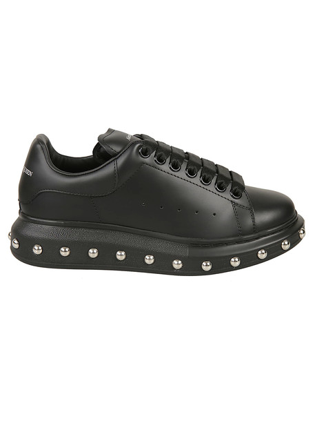 Alexander McQueen Studded Sneakers in black / silver