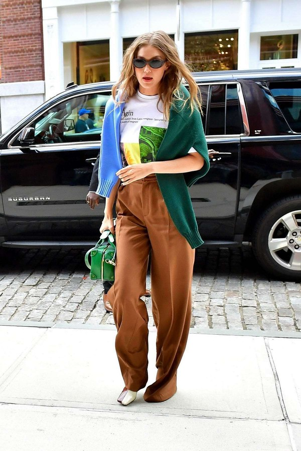 top pants gigi hadid model off-duty fall outfits celebrity