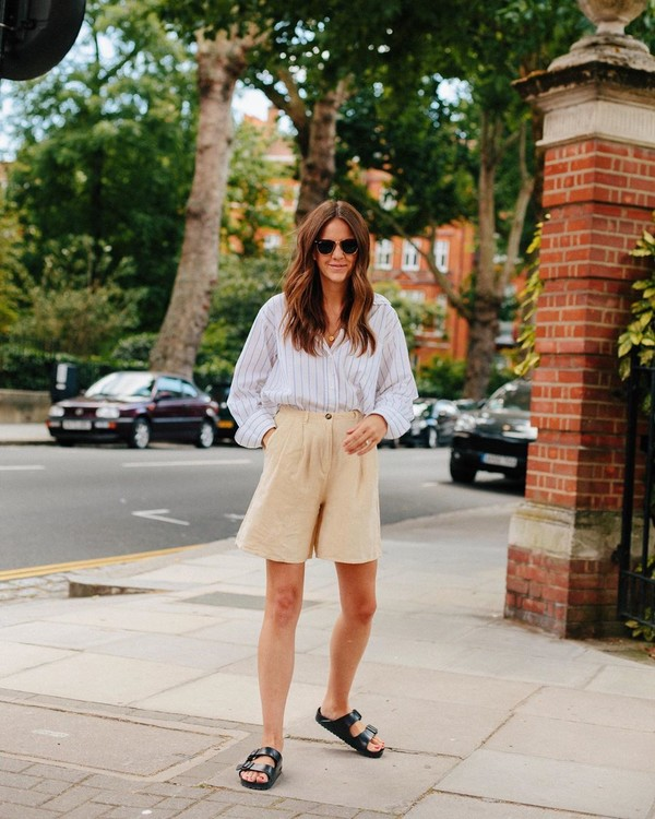 top striped shirt oversized High waisted shorts slide shoes