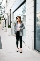 brighton the day blog | dallas fashion blog,blogger,jacket,top,blouse,pants,jeans,shorts,blazer,pumps,office outfits