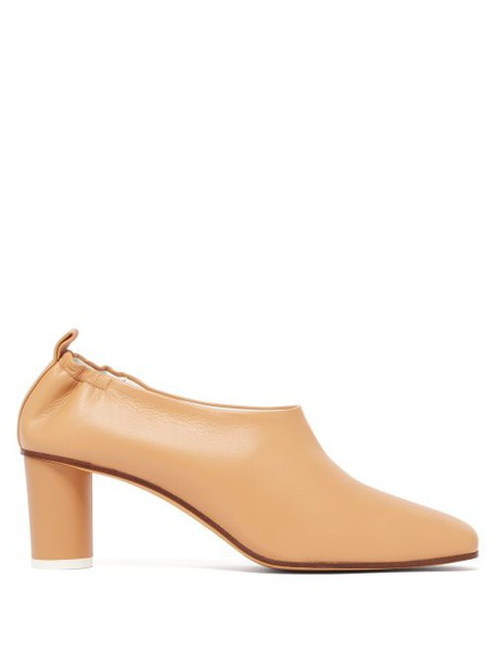 Gray Matters - Micol Cylindrical Heel Leather Pumps - Womens - Tan