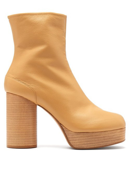 Maison Margiela - Tabi Platform Split Toe Leather Ankle Boots - Womens - Tan