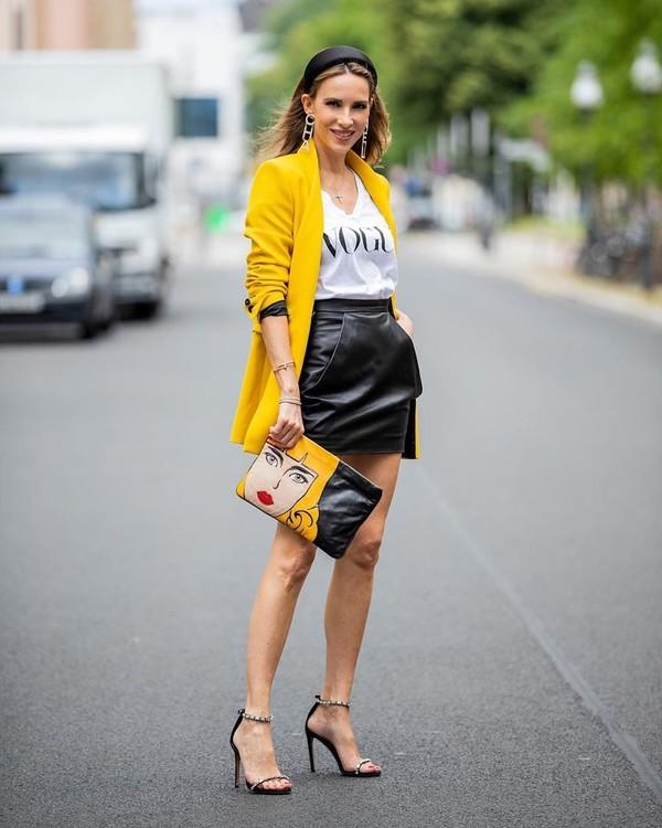 jacket blazer double breasted mini skirt black skirt black leather skirt sandal heels white top bag
