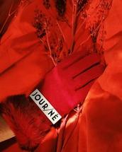 gloves,red gloves