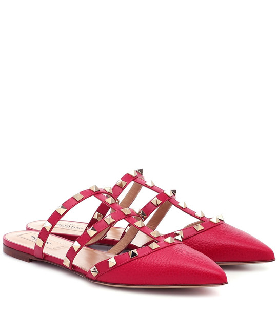 Valentino Garavani Rockstud leather slippers in pink