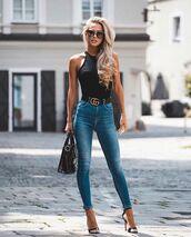 jeans,skinny jeans,black sandals,black top,gucci belt,black bag