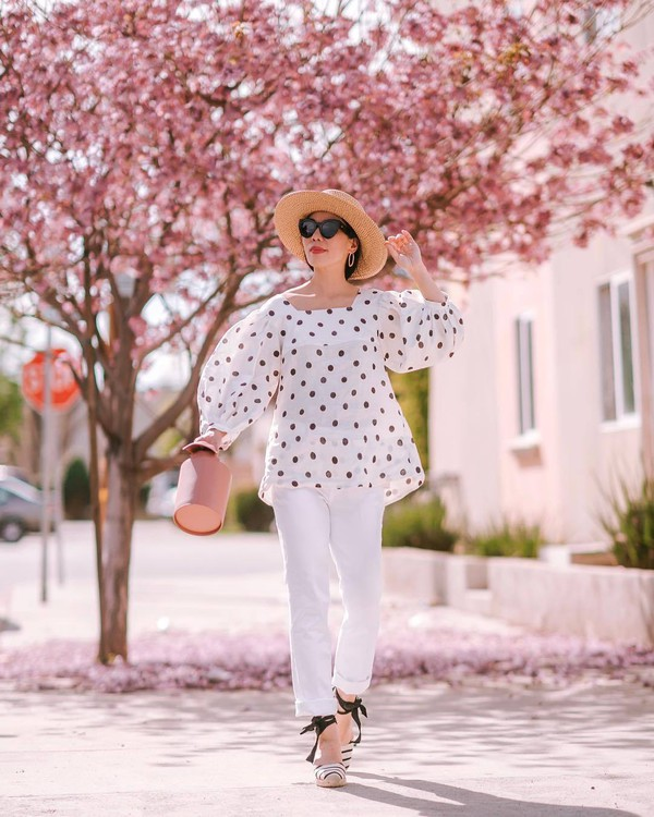 top white blouse polka dots white shirt straight pants platform shoes bucket bag felt hat