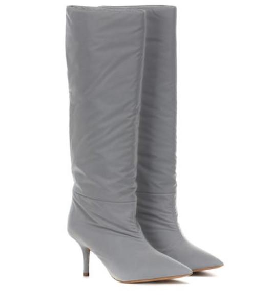 Yeezy Reflective knee-high boots (SEASON 8) in grey