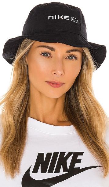 Nike NSW Bucket Hat in Black