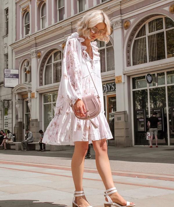 dress floral dress mini dress white dress h&m white sandals crossbody bag