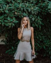 dress,mini dress,ruffle dress,sleeveless dress