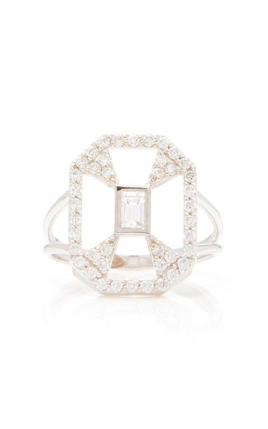 Melis Goral Paris 18K Gold Diamond Ring Size: 4.5