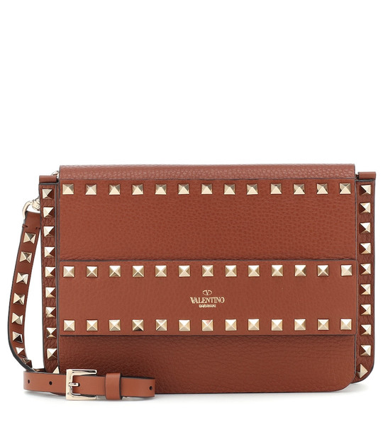 Valentino Garavani Rockstud Small leather shoulder bag in brown