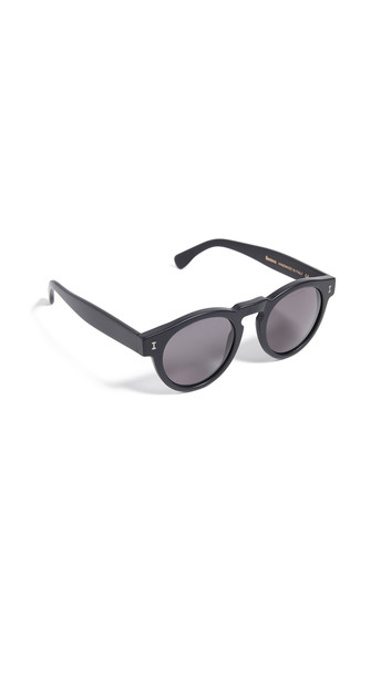 Illesteva Leonard Sunglasses in black