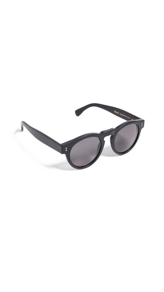 Illesteva Leonard Sunglasses in black