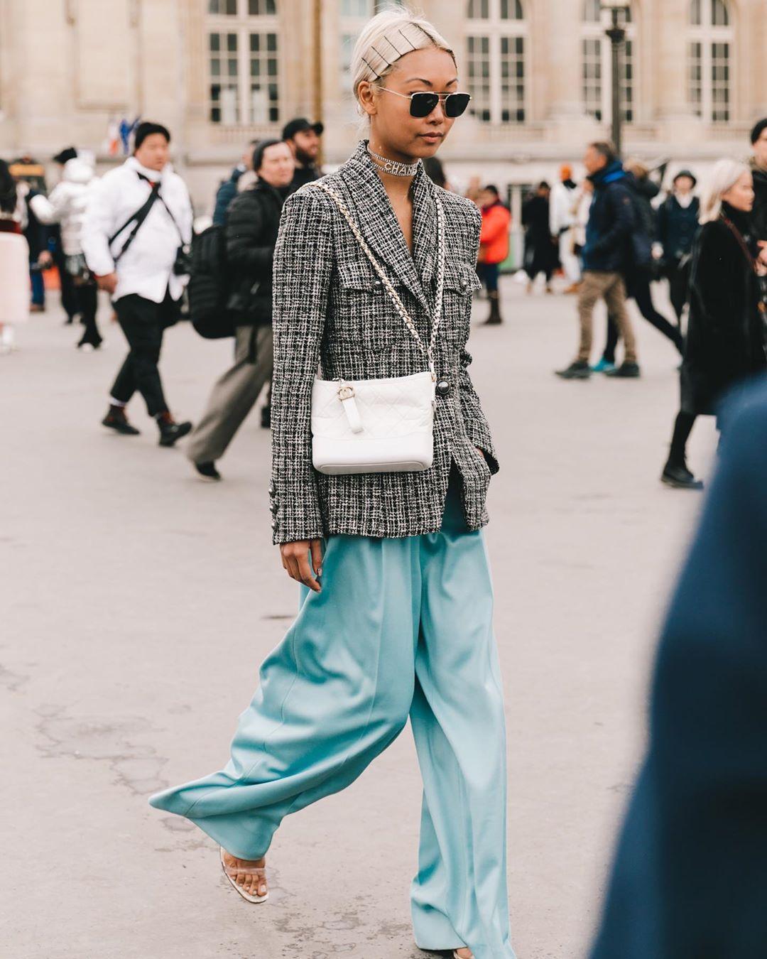 jacket blazer chanel wide-leg pants blue pants sandal heels white bag