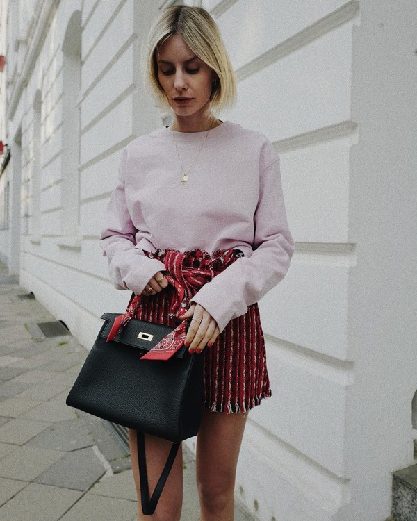 shorts High waisted shorts knitted sweater black bag