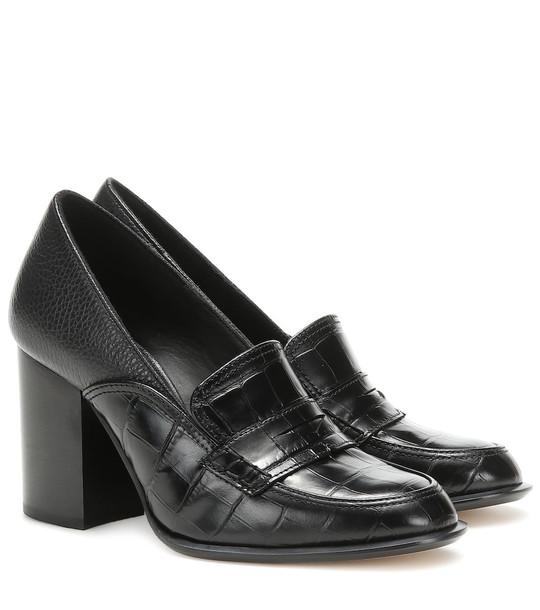 Loewe Leather loafer pumps in black