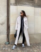 coat,trench coat,oversized,sneakers,black jeans,skinny jeans,black bag,blazer,top