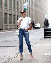 jeans,high waisted jeans,cropped jeans,ripped jeans,pumps,white t-shirt,white bag,casual,streetwear