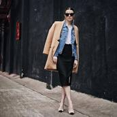 coat,camel coat,pointed toe pumps,black skirt,classy,denim jacket,white t-shirt