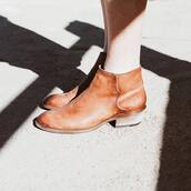 shoes,brown shoes