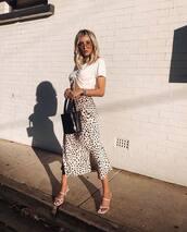 skirt,midi skirt,high waisted pants,white sandals,black bag,bucket bag,white crop tops