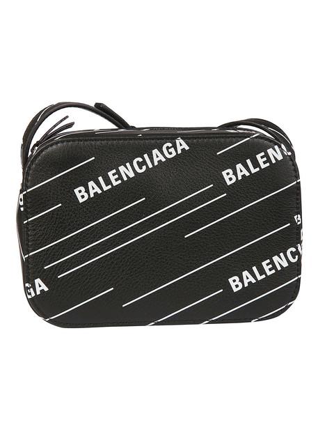 Balenciaga Everyday Camera Xs Shoulder Bag in noir