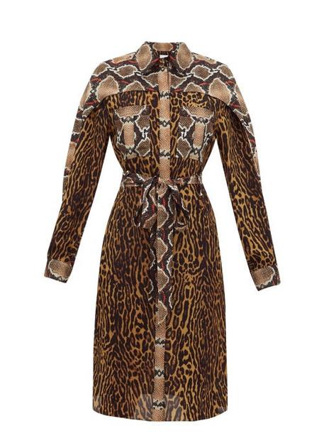 Burberry - Costanza Animal Print Silk Crepe Shirtdress - Womens - Brown Print