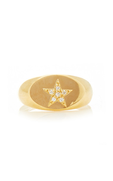 Foundrae Star Baby Signet Ring in gold