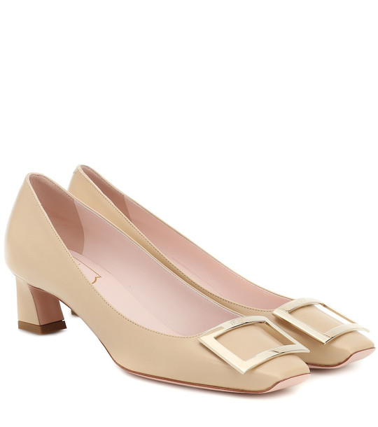Roger Vivier Trompette 45 patent-leather pumps in beige