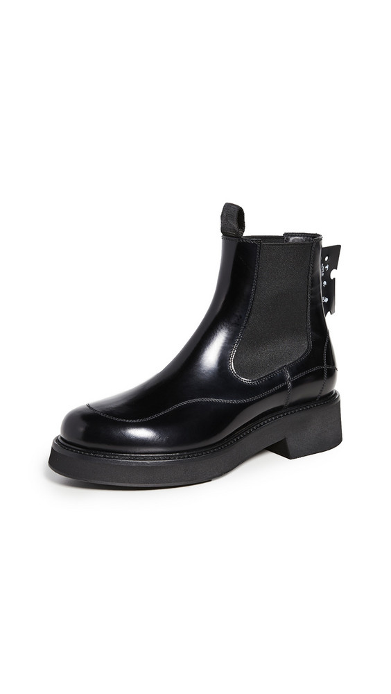 Off-White Chealsea Boots in black
