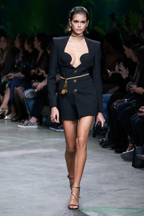 dress kaia gerber model runway versace mini dress black blazer blazer dress fashion week