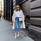 top,white shirt,skinny jeans,pumps,white bag,trench coat