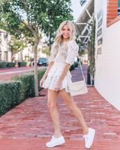 dress,mini dress,layered,white dress,white sneakers,white bag