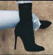 shoes,black boots,booties