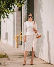 skirt,midi skirt,high waisted skirt,slit skirt,pumps,white blouse,shoulder bag,fendi