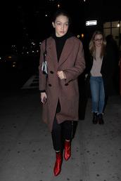 coat,gigi hadid,model off-duty,pants,boots,fall outfits,celebrity