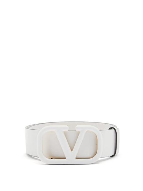Valentino Garavani - Monogram-buckle Leather Belt - Womens - White