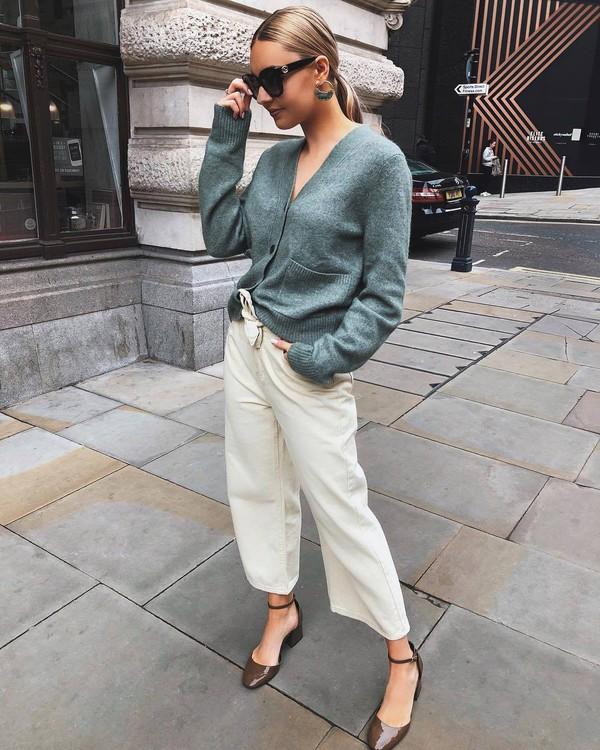 sweater cardigan wide-leg pants white pants sandals sunglasses