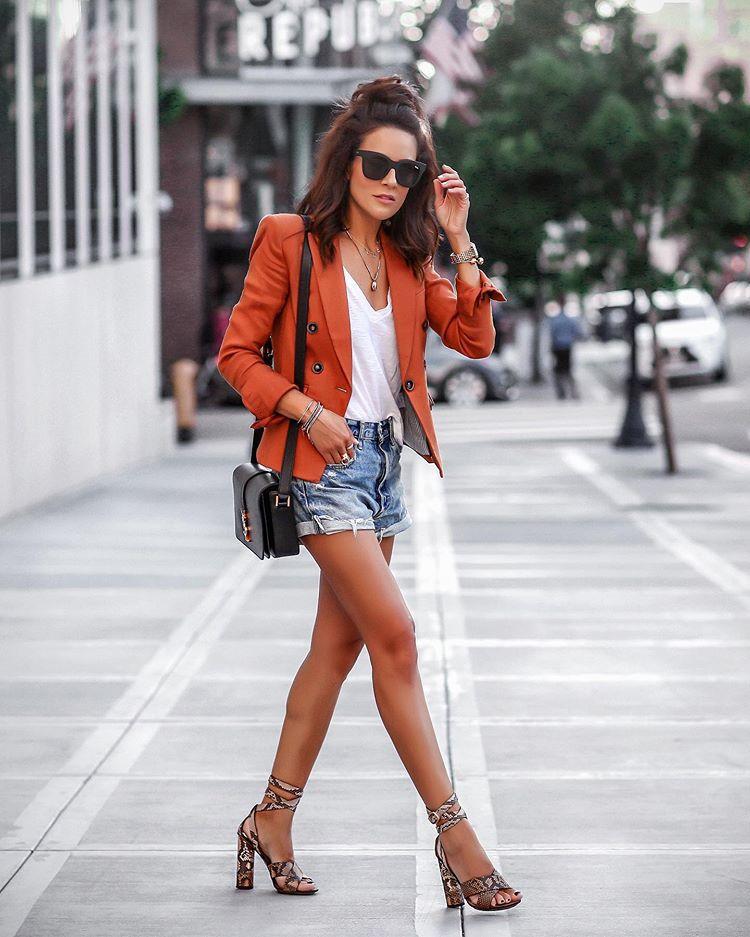 jacket blazer double breasted sandal heels snake print denim shorts white t-shirt black bag