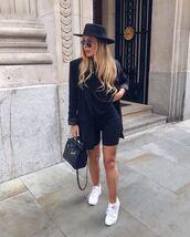 pants,black leggings,black blazer,black bag,white sneakers,black t-shirt,hat