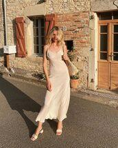 dress,sleeveless dress,maxi dress,sandal heels,shoulder bag